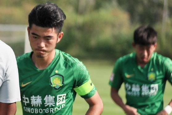 国安预备队队长王小乐正在天海试训,曾为国安一队出场3次