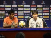 李霄鹏:刘洋因病不能参加比赛,明天争取顺利进入小组赛