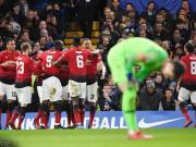 半场战报:切尔西0-2曼联,博格巴传射,埃雷拉破门