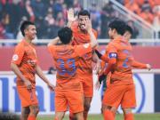鲁能4-1逆转第9次晋级亚冠正赛,金敬道造三球,三替补齐破门
