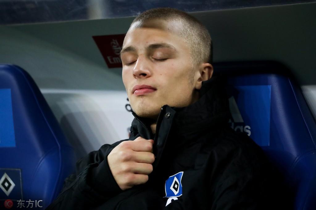 汉堡船王屈内反对拜仁:我老是买下德甲其我们球队最好的球员