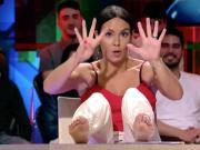 西班牙女星手脚并用,亮19根指头嘲讽C罗税务问题