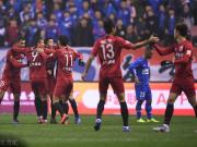 上港4-0客胜申花取开门红,吕文君、奥斯卡破门,柏佳骏染红
