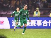 国安1-0武汉取中超开门红,傲骨任意球破门,金玟哉首秀惊艳