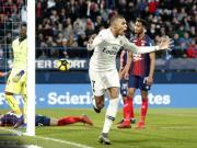 巴黎客场2-1逆转卡昂,姆巴佩梅开二度,双方共五度击中门框