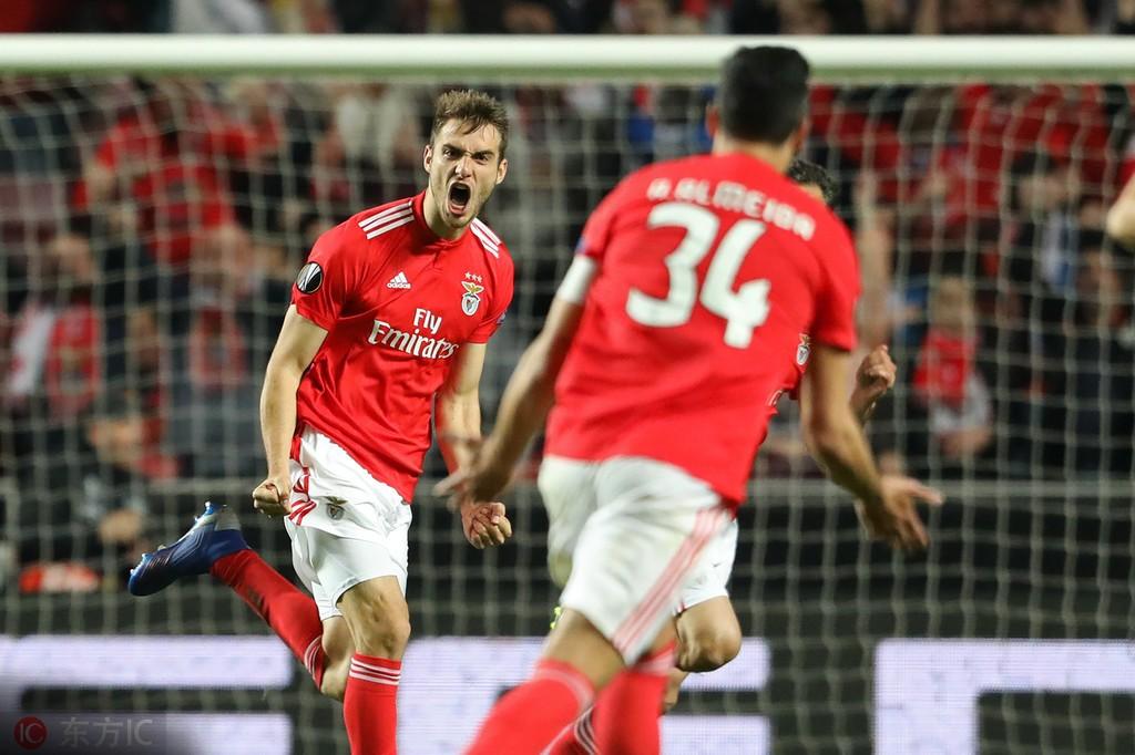 葡媒:利物浦问价本菲卡后防新星费罗
