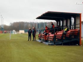 曼彻斯特晚报:卡里克和基兰前往卡灵顿基地观看贝尔训练