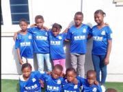 伊哈洛回国做慈善,送孤儿院孩子申花球衣