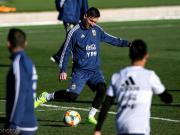 科贝电台:梅西仍感不适,今天又没能完成训练项目