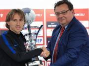 再得荣誉!莫德里奇获国际体育记者协会年度最佳男运动员奖