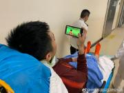 李磊伤情经医生确认无大碍,病床上仍然关心比赛进程