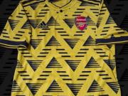 阿森纳下赛季客场球衣谍照流出,几何图案增添复古感