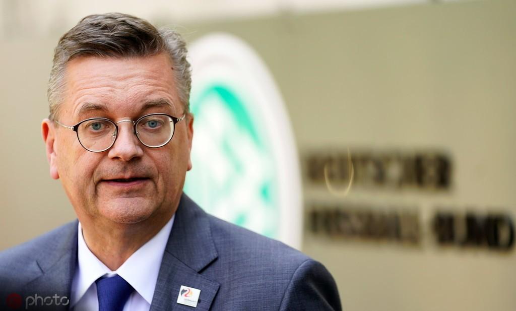 德国足协主席格林德尔将在今天辞职 未来足协主席谁与争锋