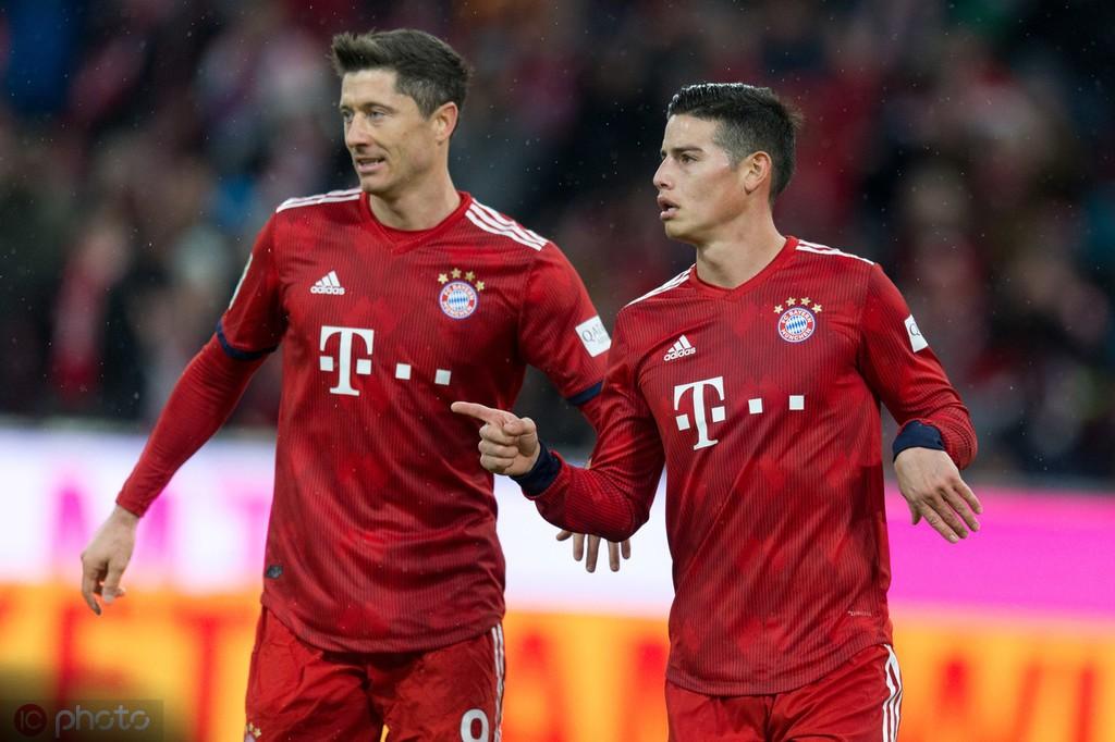 德甲3月最佳球员候选:莱万和J罗领衔