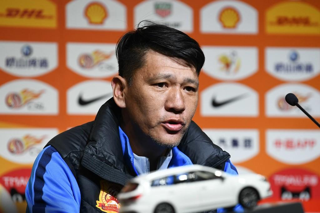 武汉领队:现场球童迟迟不给我们球,李铁完全没碰到他