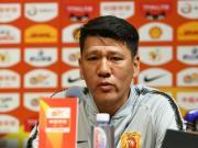 武汉领队:球队近期有一些困难,希望广大球迷给我们支持