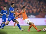 武汉1-1申花连续3场不胜,江子磊争议进球被吹,伊哈洛破门
