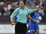 载入史册,法甲赛场下轮将出现首位女裁判
