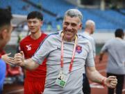 重庆守门员教练:隋维杰爆发并不意外;我在马竞发掘了德赫亚