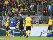 9人多特2-4遭沙尔克逆转,多赛一轮落后拜仁1分,罗?#20102;?#26579;红