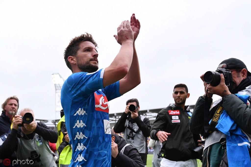 追平马拉多纳,梅尔滕斯打进生涯第81粒意甲进球 — 那不勒斯