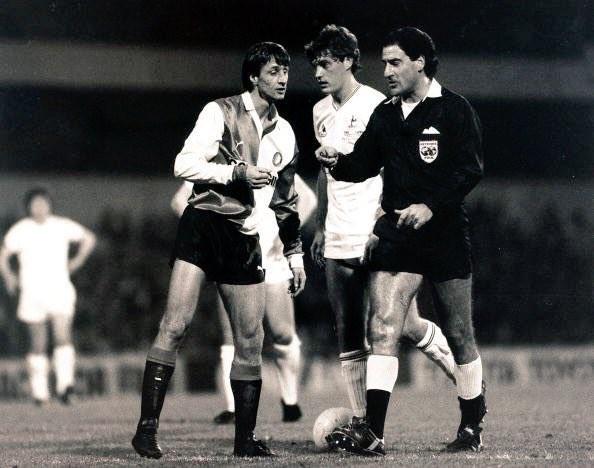 克鲁伊夫生前曾表示,英格兰球队中他最喜欢热刺