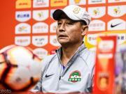 王宝山:伊沃伤情还需检查;能赢球也因运气好