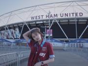 女球迷采访:她是拜仁球迷,却意外被西汉姆联圈粉
