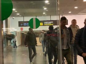每体:德容和德利赫特抵达巴塞罗那,将参加阿贾克斯冠军派对