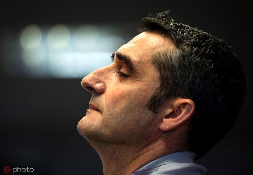 西甲两连冠仍存在下课危机,巴尔韦德巴萨生涯的红与黑 — 巴塞罗那