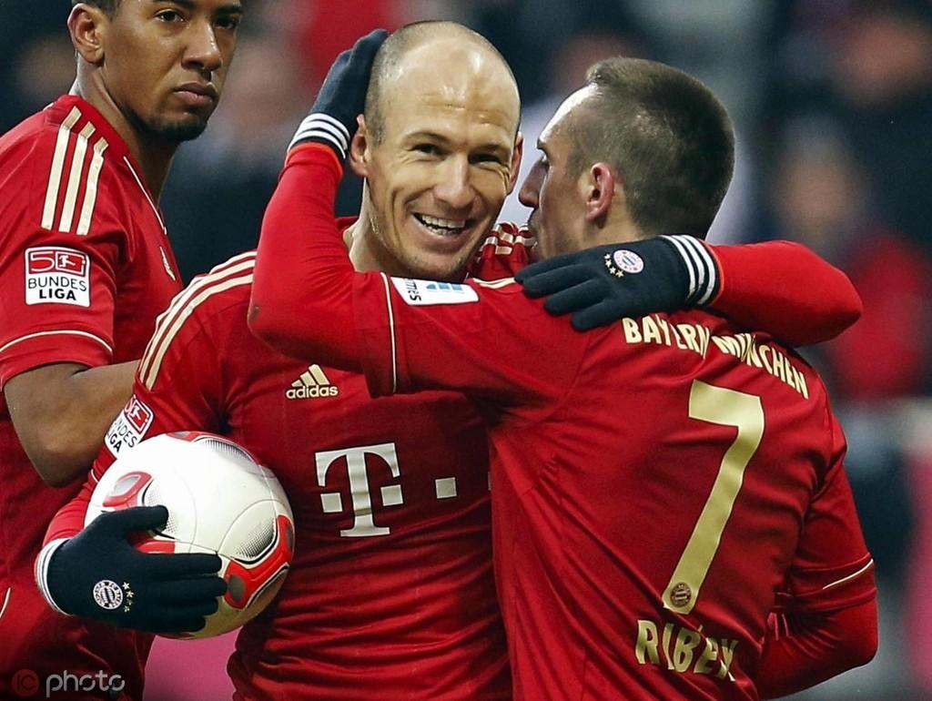 恭喜,罗贝里一起当选德甲末轮最佳球员