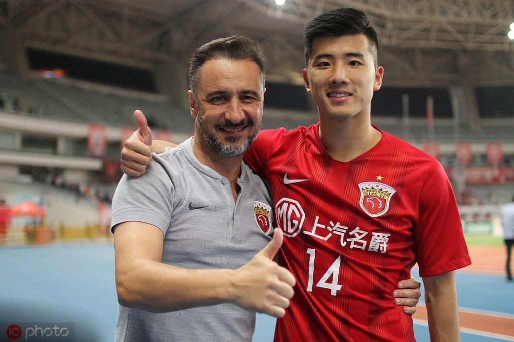 李圣龙:打进亚冠首球后,几乎无法入睡 — 上海上港