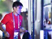 记者:里皮团队依然不设中方教练,郑智还是40强赛重要力量