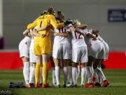 效仿男足,英格兰女足也在世界杯前集体军训