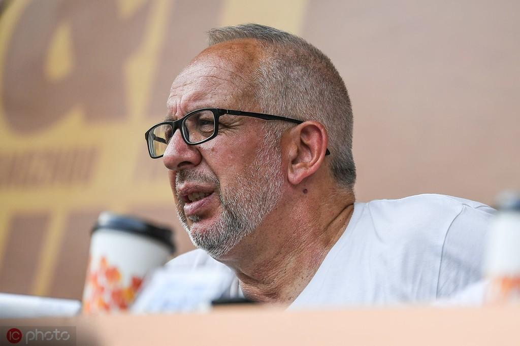 马达洛尼:里皮依旧满怀热忱,国足会启用年轻人和归化球员