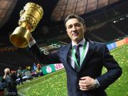 第一人,科瓦奇分别以球员和教练身份获得双冠王
