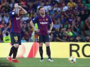 世体:国王杯决赛中被替换下场时,拉基蒂奇怒踢水瓶