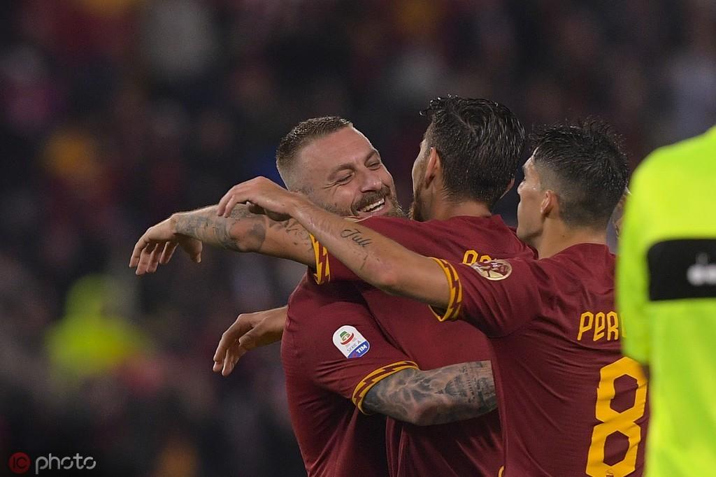罗马2-1帕尔马,德罗西主场告别,云代尔助攻佩罗蒂头球绝杀
