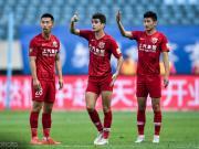 豪取联赛6连胜登顶,上港追平球队历史纪录