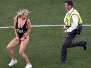 还有意外收获,闯入欧冠决赛的女球迷获赠一张