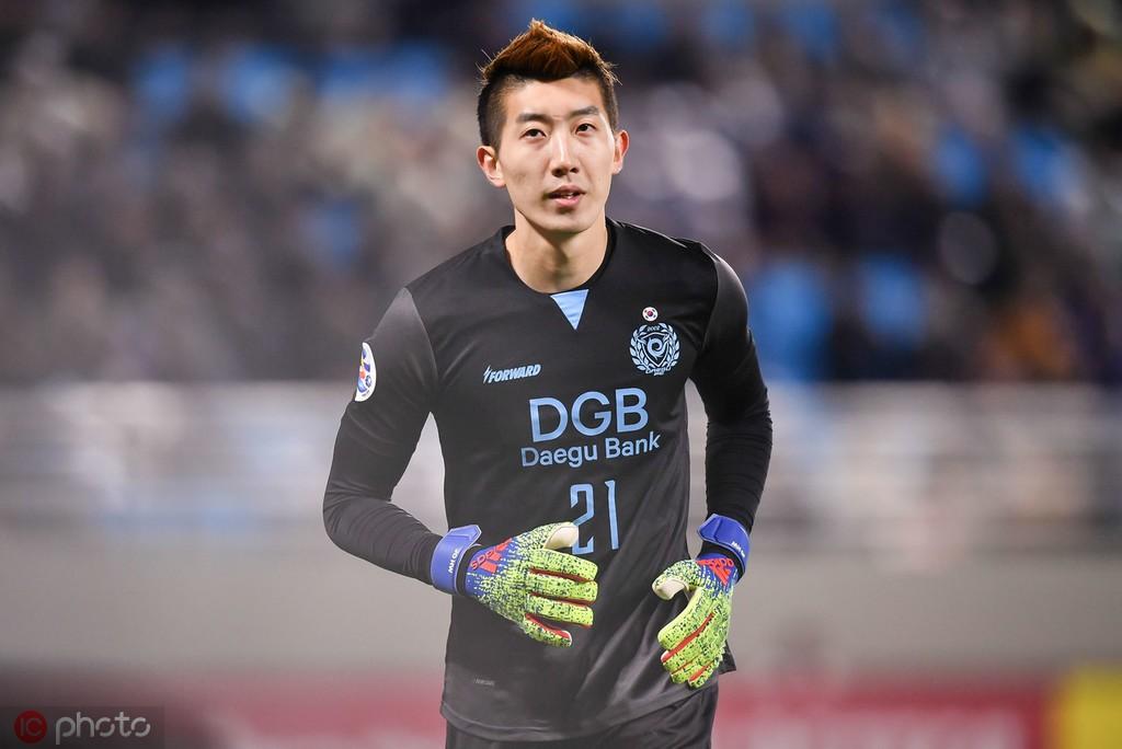 踢球者:奥格斯堡有意韩国国门赵贤祐
