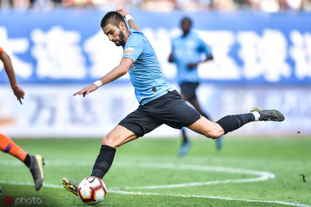足球市场:卡拉斯科想去意甲,但米兰双雄不再对他感兴趣 — AC米兰