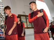 国足击败菲律宾,杨旭、吴曦赛后分享胜利的喜