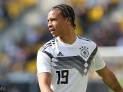 图片报:母亲希望萨内回德国,女友想让他留在英格兰