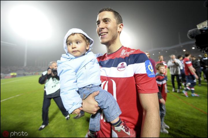 阿斯报:阿扎尔的转会费帮助里尔建新球场,他更像一个法国人