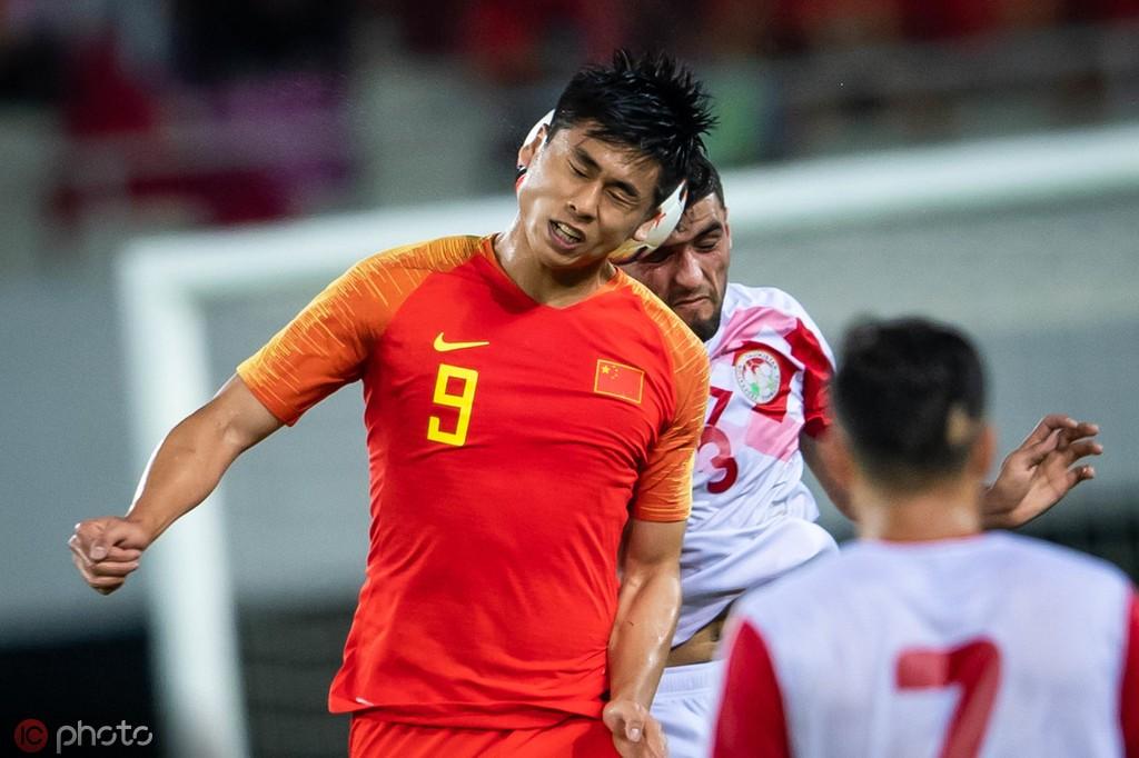 张玉宁:肩伤没完全好,周末联赛应该踢不了