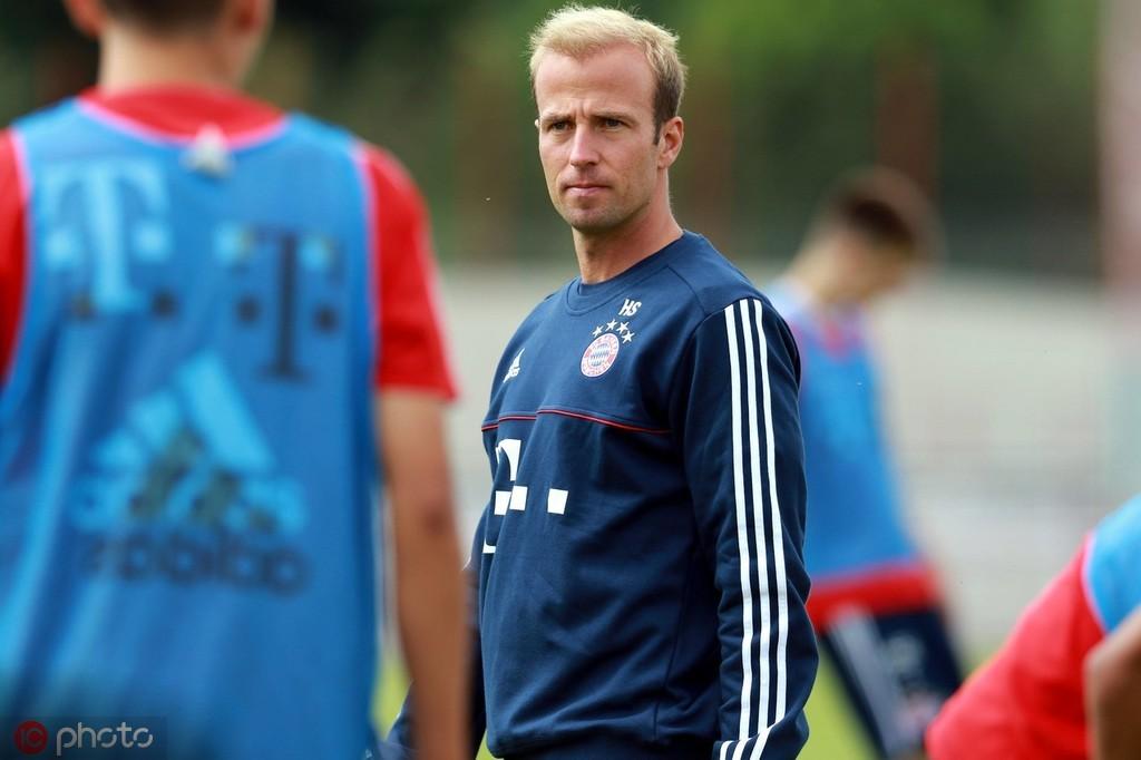 官方:赫内斯侄子升任拜仁慕尼黑二队主帅