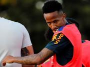 巴西后卫米利唐因臀部疼痛退出训练,将做进一步检查