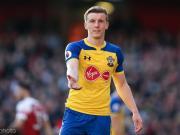 英媒:利物浦和阿森纳都想要南安普顿后卫塔加特