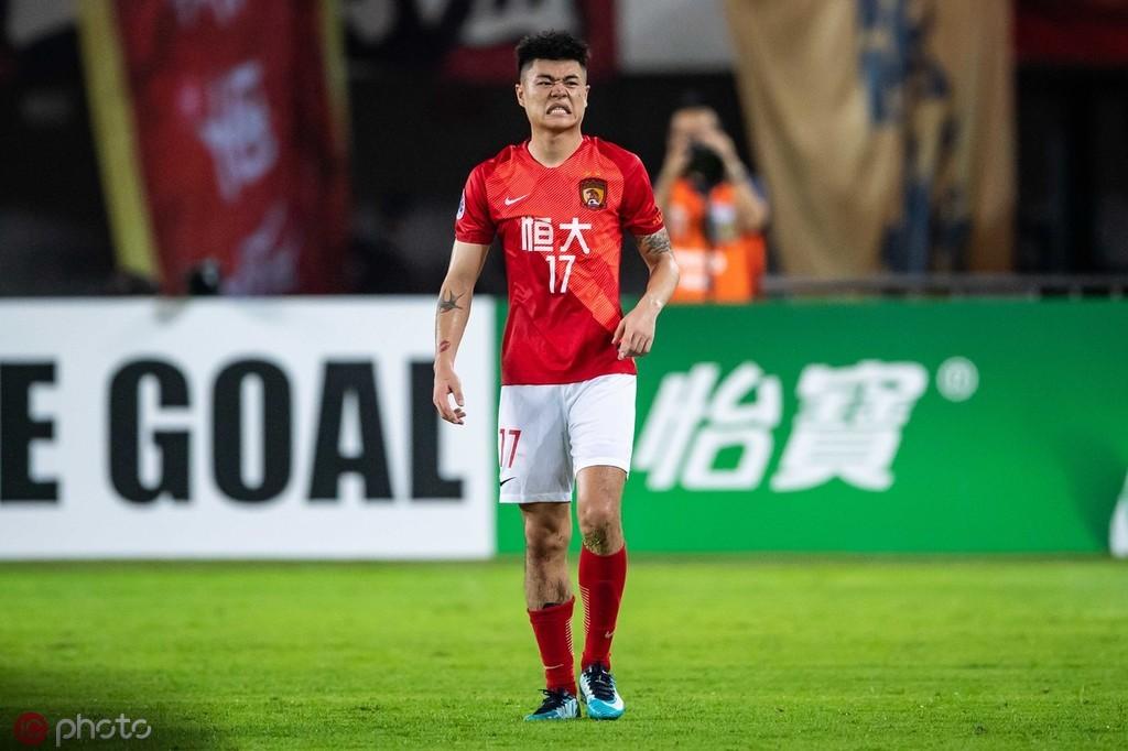 杨立瑜:进球是有运气成分,天气炎热对我们有影响